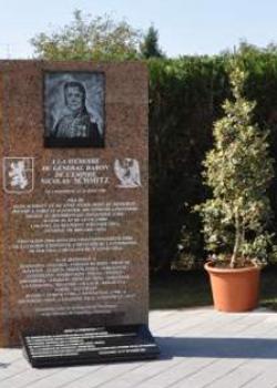 Stèle Général Schmitz